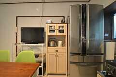 冷蔵庫と食器棚の様子。(2014-10-07,共用部,KITCHEN,1F)