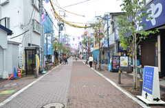 東急多摩川線・矢口渡駅前の商店街の様子。(2015-07-16,共用部,ENVIRONMENT,1F)