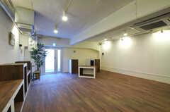 地下室(BASEMENT)の様子2。外からの導線もあり、ギャラリースペースとして使用可能だそう。(2011-03-11,共用部,OTHER,)