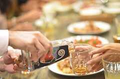 ハチミツのお酒も振る舞われました。(2014-07-25,共用部,PARTY,2F)