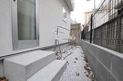 庭では洗濯物干しができます。(2011-12-23,共用部,OTHER,3F)