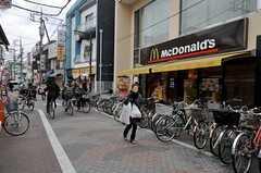 京急本線・大森町駅からシェアハウスへ向かう道の様子。(2011-12-23,共用部,OTHER,3F)