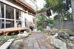 庭の様子3。BBQも予定しているそうです。(2016-02-12,共用部,OTHER,1F)