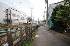 各線・下高井戸駅からシェアハウスへ向かう道の様子。(2013-04-18,共用部,ENVIRONMENT,1F)