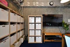 部屋ごとに使える収納ボックス。(2020-01-31,共用部,LIVINGROOM,2F)