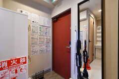 内部から見た玄関まわりの様子。(2020-01-31,周辺環境,ENTRANCE,3F)