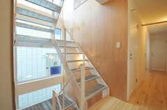 階段の様子。(2011-01-28,専有部,ROOM,2F)