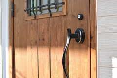 玄関のドアハンドル。(2017-02-03,周辺環境,ENTRANCE,1F)
