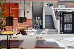 キッチンから見たテラスの様子。(2012-03-14,共用部,OTHER,1F)