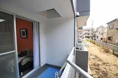 ベランダから見た外の様子。(B120号室)(2012-03-14,共用部,OTHER,1F)