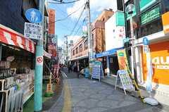 京王線・千歳烏山駅周辺商店街の様子2。(2012-03-14,共用部,ENVIRONMENT,1F)