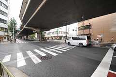 各線・三軒茶屋駅からシェアハウスへ向かう道の様子。(2013-10-29,共用部,ENVIRONMENT,1F)