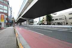 東急田園都市線・駒沢大学駅からシェアハウスへ向かう道の様子。(2013-07-02,共用部,ENVIRONMENT,1F)