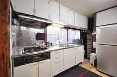 シェアハウスのキッチンの様子。(2009-12-28,共用部,KITCHEN,1F)