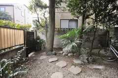 庭の様子。(102号室)(2009-12-28,専有部,ROOM,1F)