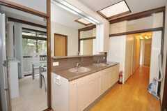 廊下に設置された洗面台の様子。(2009-10-12,共用部,TOILET,2F)