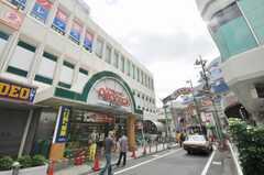 小田急小田原線経堂駅前の様子。(2009-10-12,共用部,ENVIRONMENT,1F)