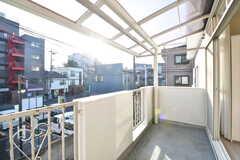 バルコニーは屋根付きです。(203号室)(2016-12-21,専有部,ROOM,2F)