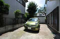 共用自動車の様子。入居者さんは無料で使用できます。(2012-07-11,共用部,GARAGE,1F)
