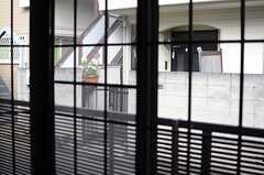 窓から見た外の様子。(102号室)(2014-02-07,専有部,ROOM,1F)