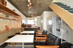 リビングの様子5。奥にキッチンがあります。(2016-01-26,共用部,LIVINGROOM,3F)