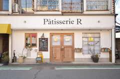 商店街にあるケーキ屋さん。撮影時は残念ながら定休日でした。(2016-01-26,共用部,ENVIRONMENT,1F)