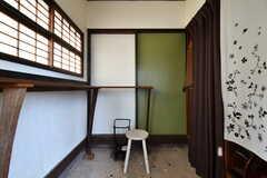 玄関から見た内部の様子。(2018-08-10,周辺環境,ENTRANCE,1F)