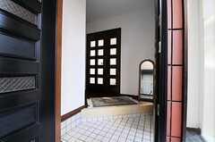正面玄関から見た内部の様子。(2011-01-25,周辺環境,ENTRANCE,1F)