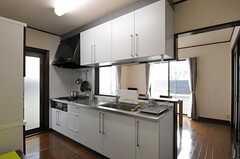 キッチンの様子。(2011-11-18,共用部,KITCHEN,1F)