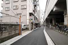 駅からシェアハウスへ向かう道の様子。  (2011-11-18,共用部,ENVIRONMENT,1F)