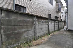 自転車置き場の様子。(2011-02-18,共用部,GARAGE,1F)