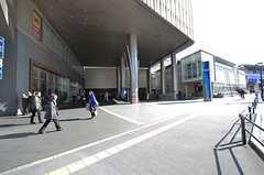 各線・二子玉川駅の様子。ショッピングビルが直結しています。(2016-02-26,共用部,ENVIRONMENT,1F)