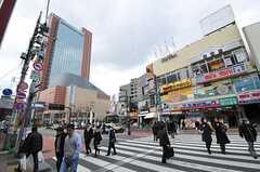 各線・三軒茶屋駅前の様子。(2011-03-23,共用部,ENVIRONMENT,1F)
