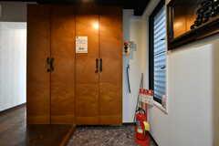 玄関から見た内部の様子。(2018-03-30,周辺環境,ENTRANCE,2F)