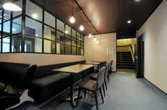 カフェのような雰囲気です。(2013-11-07,共用部,LIVINGROOM,1F)