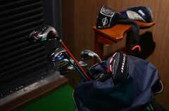 ゴルフクラブは、入居者の私物。(2013-11-07,共用部,OTHER,6F)