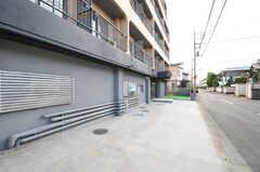 駐車場にはカーシェア・システムが導入予定です。(2013-10-04,共用部,GARAGE,1F)
