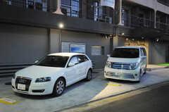 シェアカーの車種はAudi A3 スポーツバックと日産エルグランドです。(2013-12-12,共用部,GARAGE,1F)