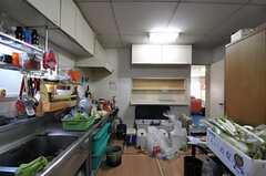 キッチンの様子3。(2011-12-13,共用部,KITCHEN,1F)