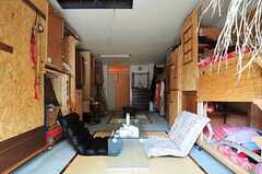 窓側から見たドミトリーの様子。(101号室)(2012-09-03,専有部,ROOM,1F)