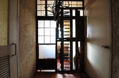 喫煙スペースの扉の様子。(2012-09-03,共用部,OTHER,2F)