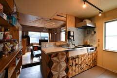 サブリビングの様子。キッチンが併設されています。(2021-06-08,共用部,LIVINGROOM,1F)