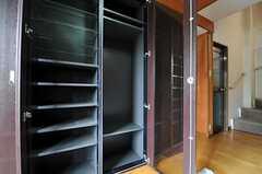 靴箱の様子。(2011-06-03,周辺環境,ENTRANCE,1F)