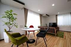 カフェテーブルとソファスペース。(2015-03-06,共用部,LIVINGROOM,1F)