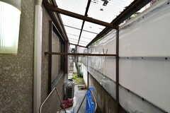 屋根付きの物干し場の様子。(2020-01-15,共用部,LAUNDRY,1F)