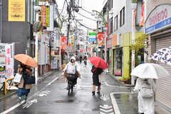 小田急線・経堂駅前の商店街。(2020-01-15,共用部,ENVIRONMENT,1F)