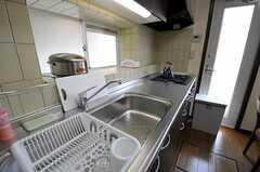 シェアハウスのキッチンの様子。(2011-05-18,共用部,KITCHEN,1F)