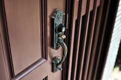 玄関の鍵の様子。(2010-08-25,共用部,OTHER,1F)
