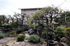 専有部から見た庭の様子。(103号室)(2010-08-25,専有部,ROOM,1F)