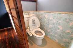 ウォシュレット付きトイレの様子。(2010-08-25,共用部,TOILET,2F)